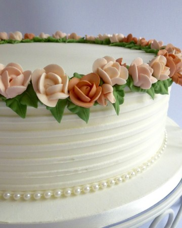 Piped royal icing roses